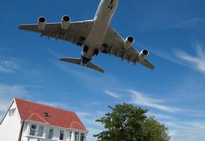 airplane-house-unsellable_0